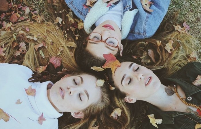 adolescentes-en-otono